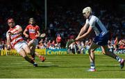18 June 2017; Shane Bennett of Waterford shoots wide under pressure from Anthony Nash of Cork early in the first half during the Munster GAA Hurling Senior Championship Semi-Final match between Waterford and Cork at Semple Stadium in Thurles, Co Tipperary.  Photo by Piaras Ó Mídheach/Sportsfile