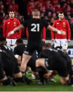 24 June 2017; British and Irish Lions players Sam Warburton, left, and Peter O'Mahony face the New Zealand haka prior to the First Test match between New Zealand All Blacks and the British & Irish Lions at Eden Park in Auckland, New Zealand. Photo by Stephen McCarthy/Sportsfile