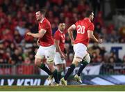 24 June 2017; Peter O'Mahony, left, is replaced by his British and Irish Lions team-mate Sam Warburton during the First Test match between New Zealand All Blacks and the British & Irish Lions at Eden Park in Auckland, New Zealand. Photo by Stephen McCarthy/Sportsfile