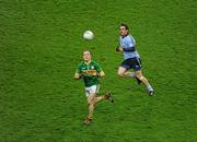 4 February 2012; Darran O'Sullivan, Kerry, in action against Ger Brennan, Dublin. Allianz Football League, Division 1, Round 1, Dublin v Kerry, Croke Park, Dublin. Picture credit: Ray McManus / SPORTSFILE