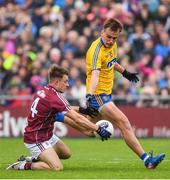 9 July 2017; Eoghan Kerin of Galway in action against Enda Smith of Roscommon during the Connacht GAA Football Senior Championship Final match between Galway and Roscommon at Pearse Stadium in Galway. Photo by Ramsey Cardy/Sportsfile