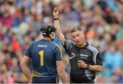 6 August 2017; Referee Barry Kelly shows the yellow card to Darren Gleeson of Tipperary during the GAA Hurling All-Ireland Senior Championship Semi-Final match between Galway and Tipperary at Croke Park in Dublin. Photo by Piaras Ó Mídheach/Sportsfile