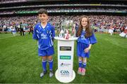 3 September 2017; Áine Henley, Tallow NS, Waterford and Éanna Monaghan, Bawnmore NS, Turloughmore, Galway, bring out the Liam MacCarthy Cup prior to the GAA Hurling All-Ireland Senior Championship Final match between Galway and Waterford at Croke Park in Dublin. Photo by Stephen McCarthy/Sportsfile