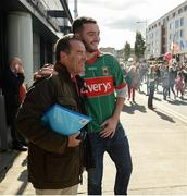 17 September 2017; Jeff Stelling poses for a picture with a Mayo supporter on his way into Croke Park ahead of the match. Watch Jeff Stelling and Chris Kamara commentate on the All-Ireland Football Final in the final episode of AIB's Jeff & Kammy's Journey to Croker airing on www.youtube.com/AIB at 5pm on Monday 25th September. For exclusive content and behind the scenes action follow AIB GAA on Facebook, Twitter, Instagram and Snapchat. Photo by Cody Glenn/Sportsfile