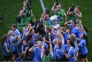 24 September 2017; Dublin's Lyndsey Davey and team-mates celebrate with the cup following the TG4 Ladies Football All-Ireland Senior Championship Final match between Dublin and Mayo at Croke Park in Dublin. Photo by Stephen McCarthy/Sportsfile