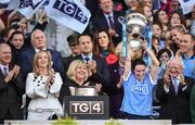 24 September 2017; Sinéad Aherne of Dublin lifts the cup following the TG4 Ladies Football All-Ireland Senior Championship Final match between Dublin and Mayo at Croke Park in Dublin. Photo by Cody Glenn/Sportsfile