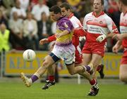 7 June 2003; John Hegarty, Wexford, in action against Derry. Bank of Ireland Senior Football Championship qualifier, Wexford v Derry, Wexford Park, Wexford. Picture credit; Damien Eagers / SPORTSFILE *EDI*