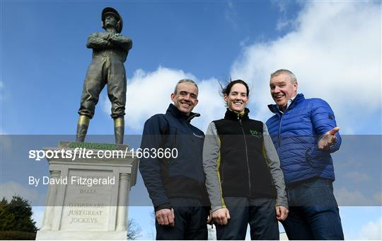 Fearless Jockey - Paddy Power Unveil 25 Foot Statue at Cheltenham