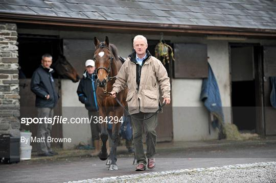 2cef06ee3cdc Sportsfile - Willie Mullins Stable Visit - 384294