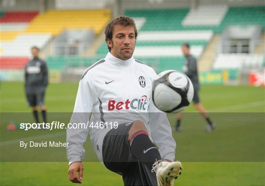 PS 25649 /Écharpe pashmina Juventus FC