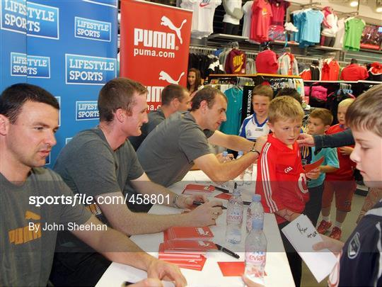 d7cd1476736a9 Cork Footballers meet young supporters ahead of the All-Ireland Football  Final 2010