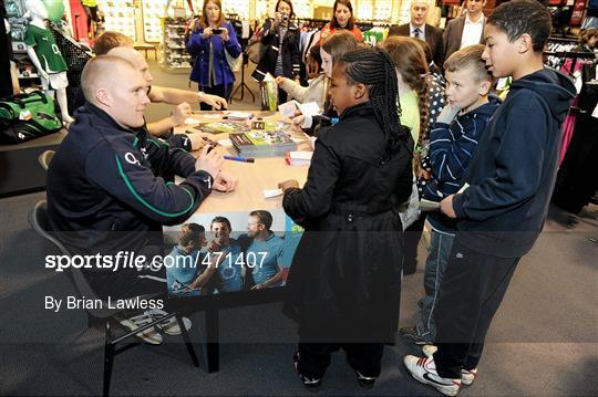 b10303e0e45 Sportsfile - Irish Rugby Team signing in Elverys Sports - 471407