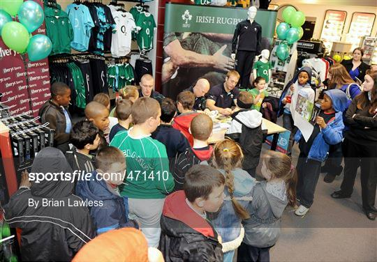 641689041cf Sportsfile - Irish Rugby Team signing in Elverys Sports - 471410